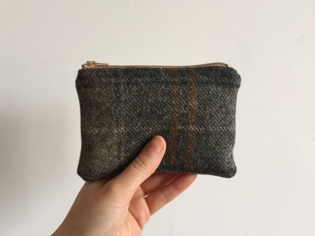 Tweed purse brown zip
