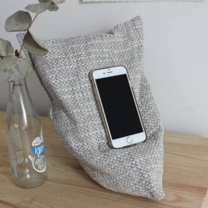 Light grey phone holder 1