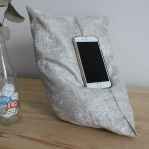 Sparkly grey phone holder 1